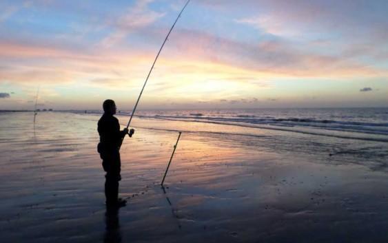Longe cote et pêche en mer.